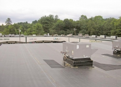 New EPDM Roof at Shopping Plaza